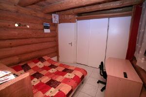 Schlafzimmer mit Doppelsofabett